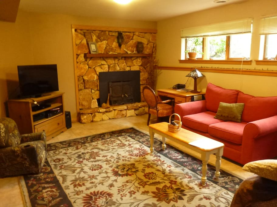 completely seculed 700 sq ft. downstairs bedroom/living room with 2 futons and private bath
