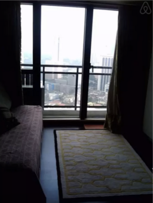 Great view of Makati. Thick curtains to block the bright sun if you need to.