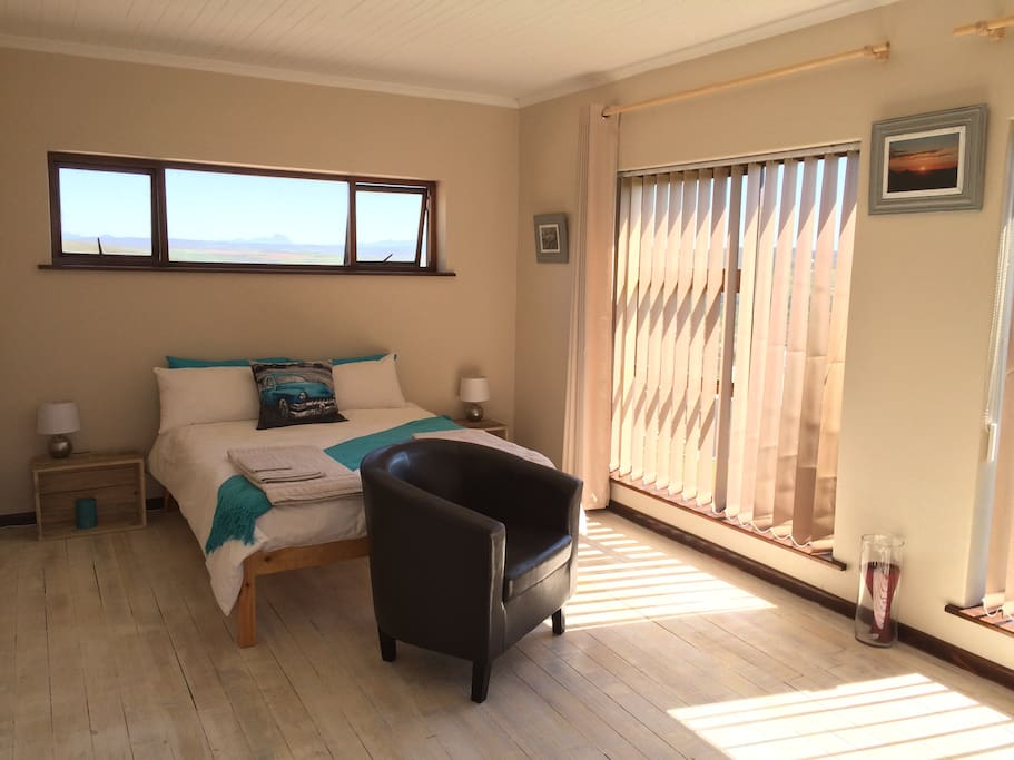 Very spacious and bright double bedroom with en-suite shower room.