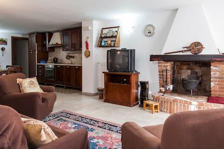 Appartamento a Taviano Economico - Taviano - Lejlighed