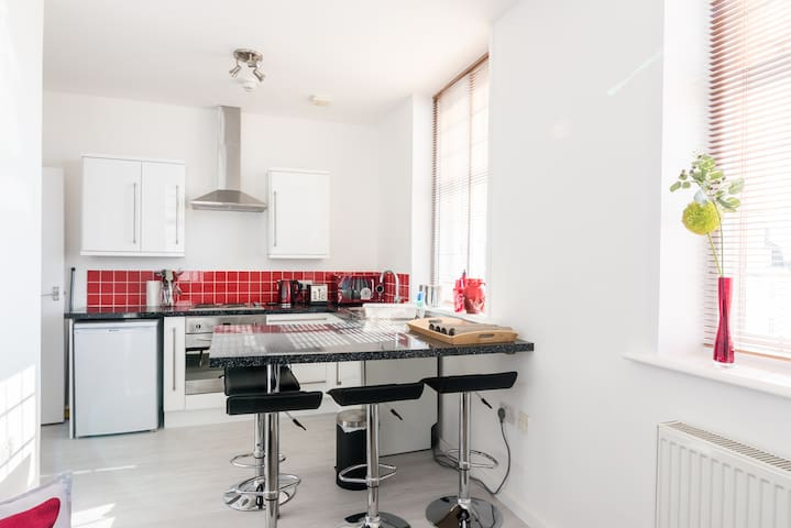 Ideally located, modern flat in central Brighton!