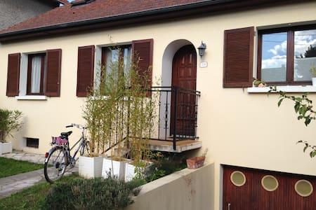 Grande maison à eaubonne - Eaubonne - Casa