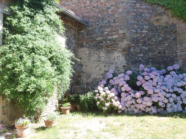 la maison des Desroches - La Chapelle-de-Guinchay