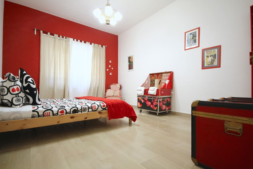 the red bedrooms: perfect for dreamers...