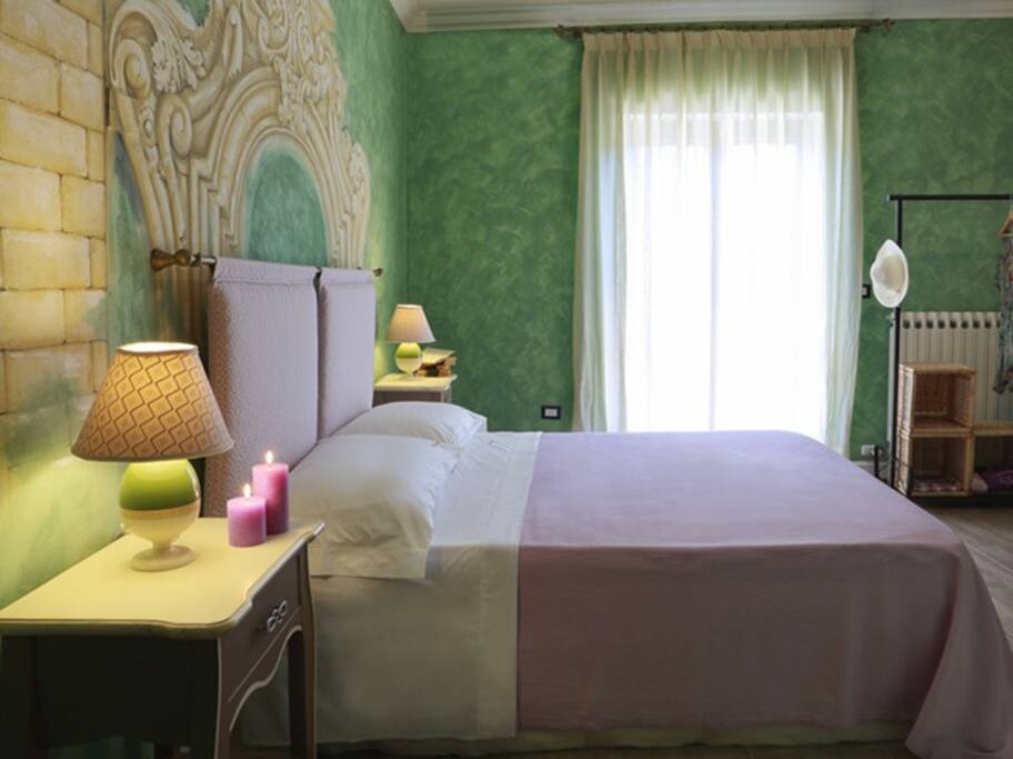 Hestasja bedroom chambres d 39 h tes louer nard for Chambre d hote italie
