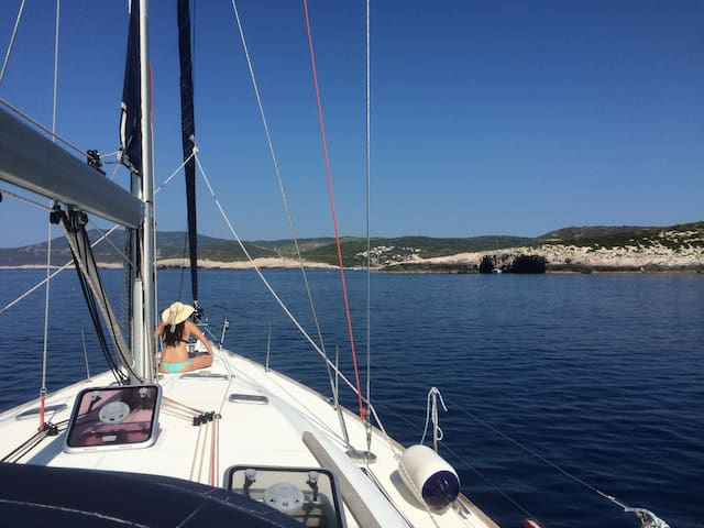 Greek Islands sailing holiday, inc Bed and Food! - Athina