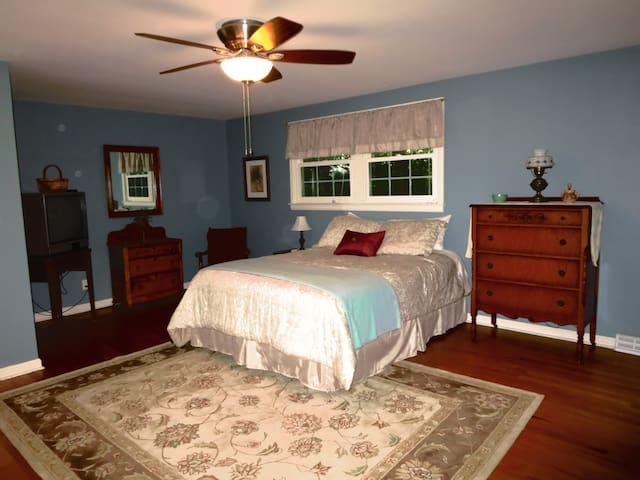 Private Comfortable Bed & Breakfast - Fayetteville - Szoba reggelivel