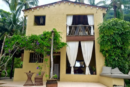 Paradise Beach House - Boca de Tomatlán