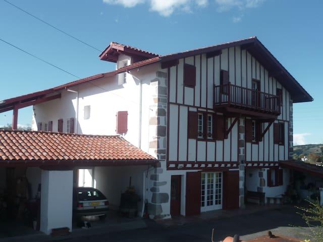 maison etchechurikoborda