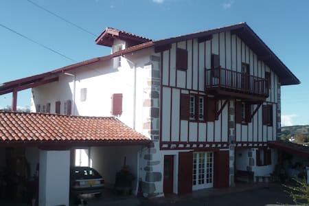 maison etchechurikoborda - Ainhoa