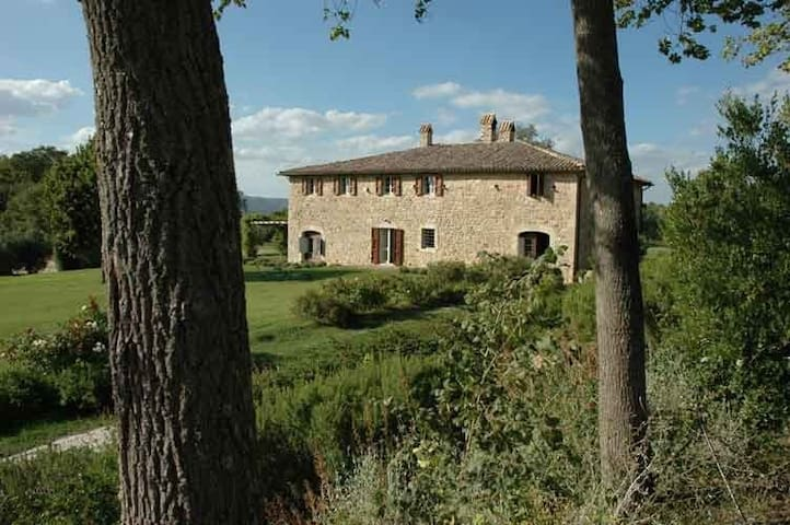 Umbria nr Todi tennis pool privacy - Todi - Casa de camp