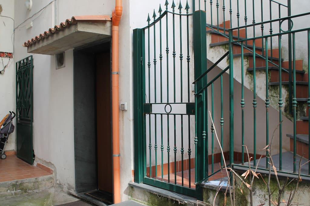 ingresso cortile