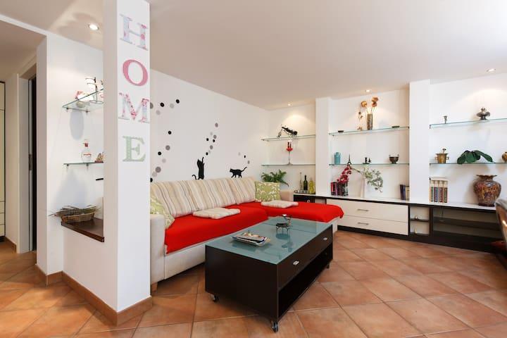 Charming apartment near Center