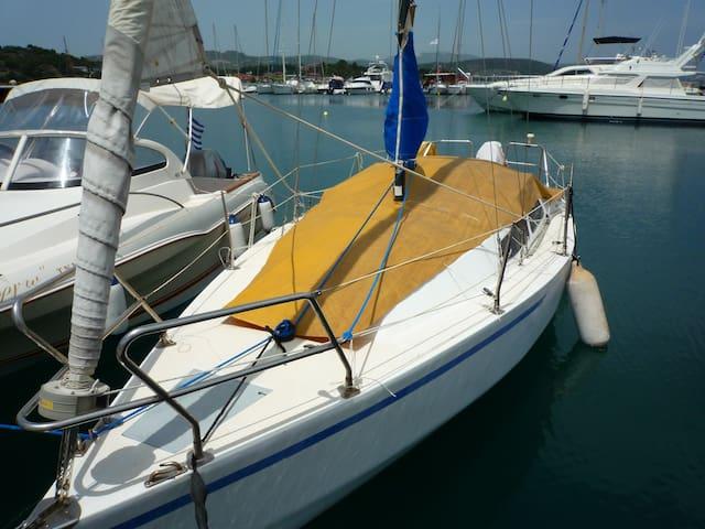 23 фута Ветроходна лодка, Ситония, Халкидики