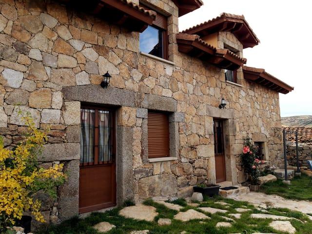 Naturaleza y descanso en  Los Arroyos ,Gredos