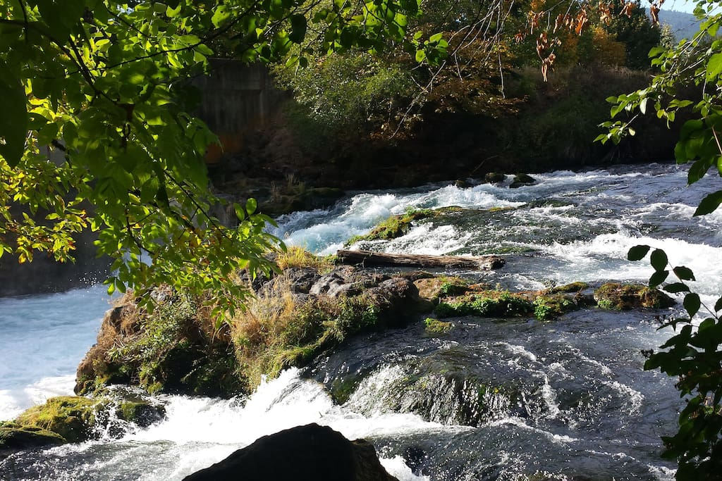 The White Salmon River...just a few minutes walk from the BnB