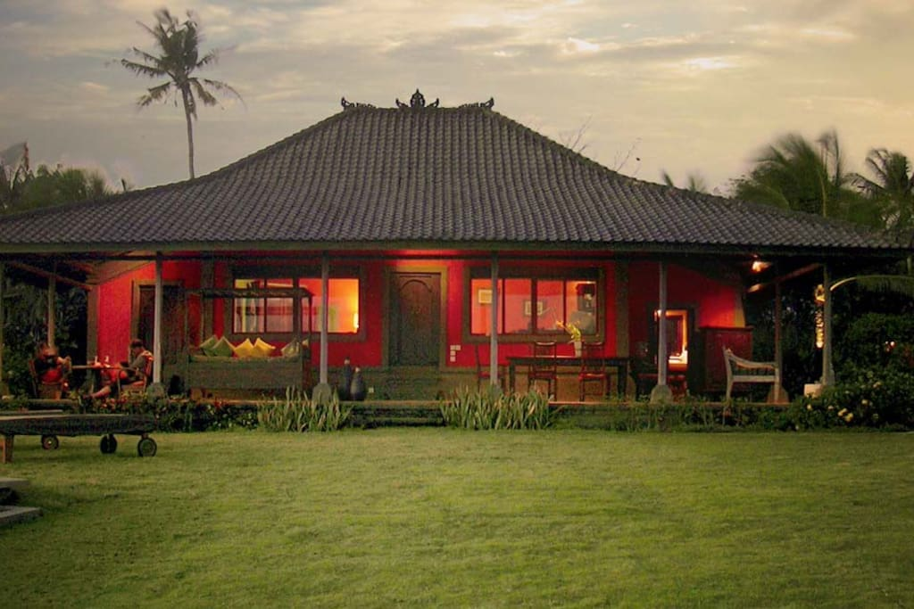 location villa bali bord de mer maisons louer kediri bali indon sie. Black Bedroom Furniture Sets. Home Design Ideas