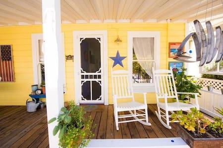 Sunny Seabright Santa Cruz Cottage