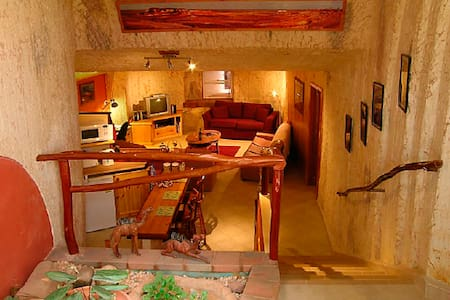 Unique underground dwelling  Down to Erth B&B