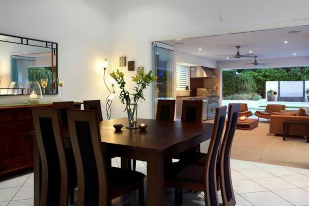 Dining area for 8 people.