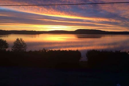 Chalet Water Front 30 min from Mt-Tremblant - La Minerve - Chalupa
