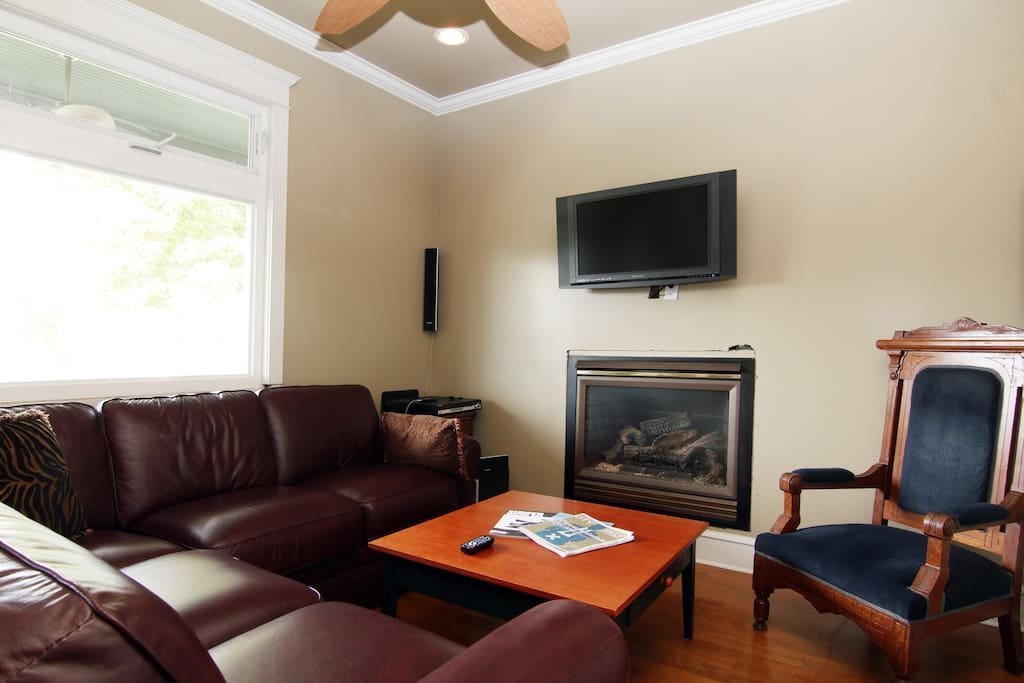 """Living room with smart TV(The TV has been upgraded to a new 52"""" Smart HDTV since this photo)"""