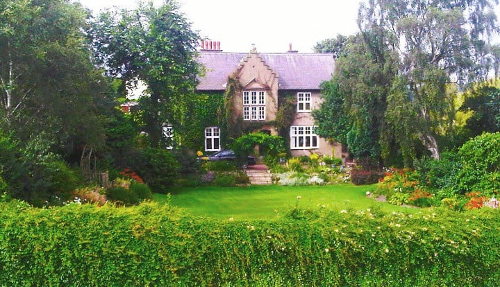 Newcastle - The Vicarage - Countryside Retreat