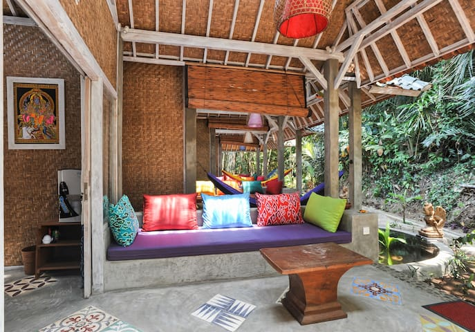 Pondok Dewi - Rahasia Manis - Jungle Huts/Pool