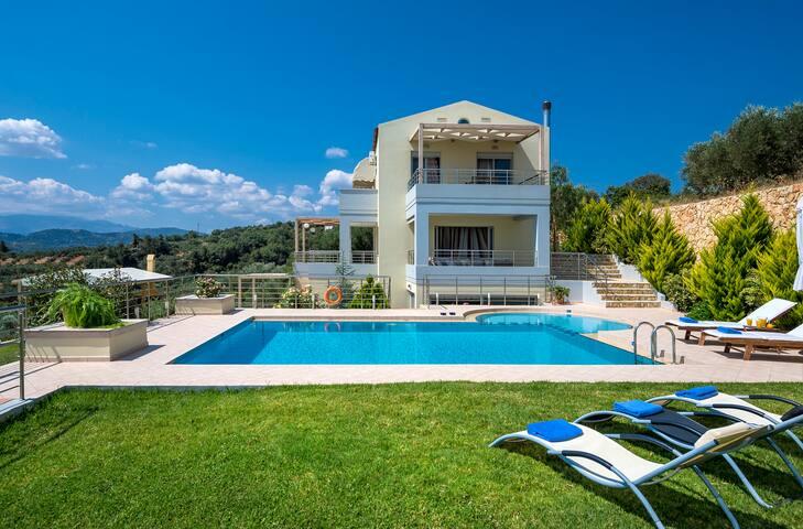 Romantic Sea view Villa with heated pool-optional - Gerani - Villa