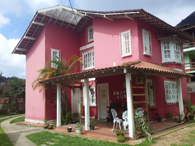 Suíte em bairro tranquilo (anexo),Teresópolis