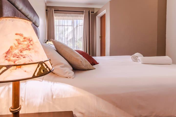Riverstone Lodge, 1 luxury bedroom. - Harare - Aamiaismajoitus