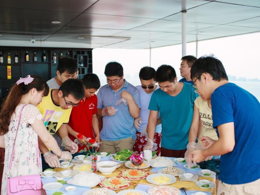 Cooking class on boat