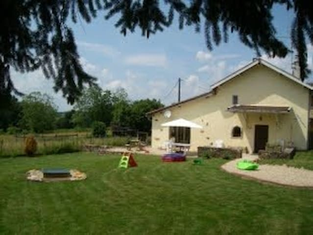 Jong gezin vakantiehuis Frankrijk - Colombier-en-Brionnais - Dom
