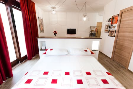 Residence Masnaiot - Apt Teatro - Cossano Belbo - Hus