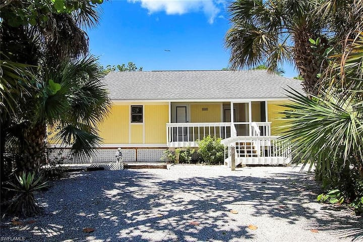 Sanibel 2-bedroom 2-bath Cottage!