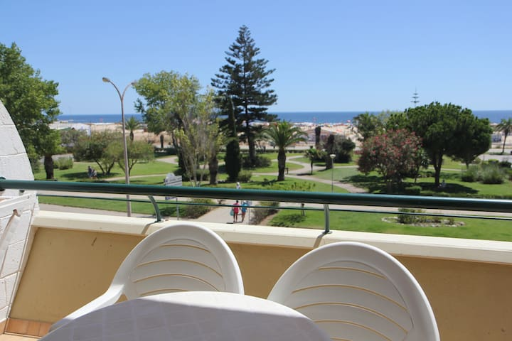 Sunny beach flat in Monte Gordo - Monte Gordo - Byt