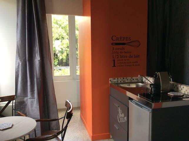 Chez Chloé et Victor, studio indépendant à pontivy
