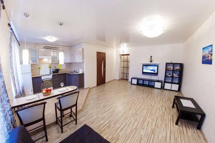 Трехкомнатная квартира,  ул. Ленина - Ufa - Apartment