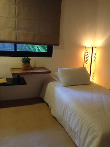 Guests room with twin beds