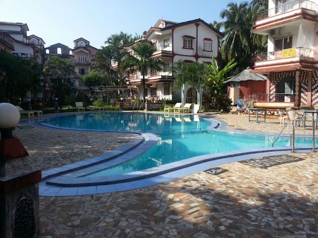 comfort stay goa 1BHK flat pool 2 - Calangute - Apartment