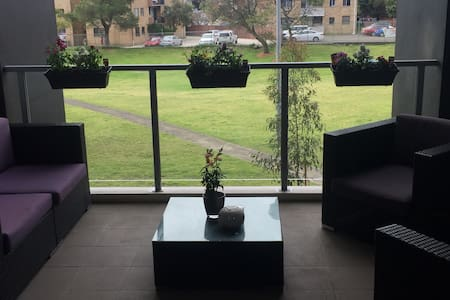 One modern bed fully furnished apt - Hillsdale