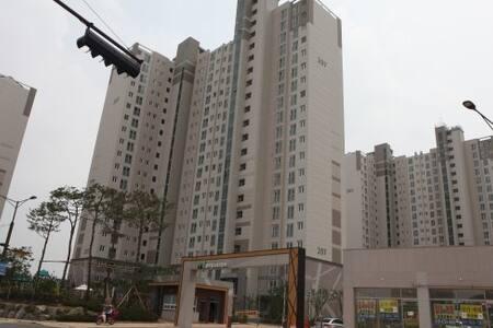 빛가람LH2단지아파트 - Lägenhet