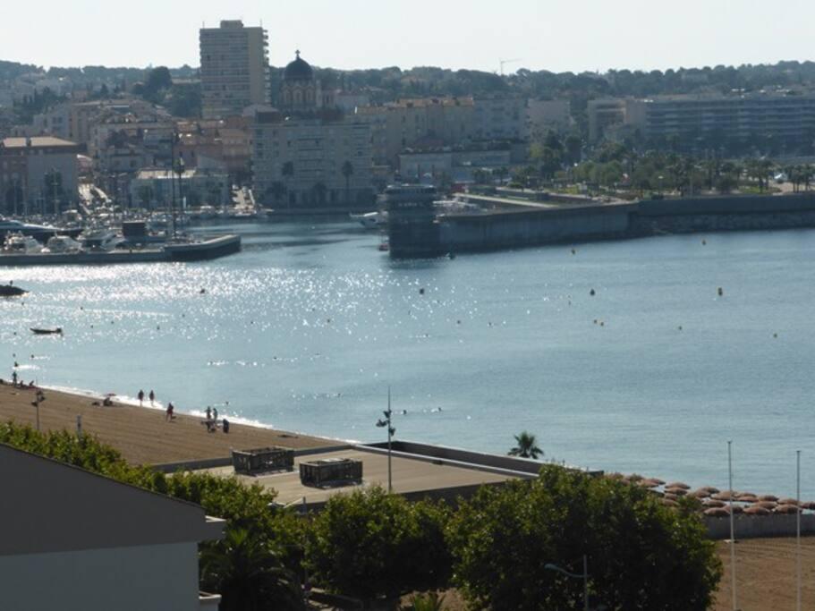 Vue sur le port de St Raphaël