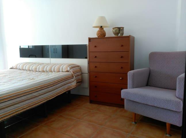 PISO ACOGEDOR Y ECONÓMICO EN CHIVA - Chiva - Haus