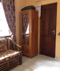 Studio flat double  room - コロンボ