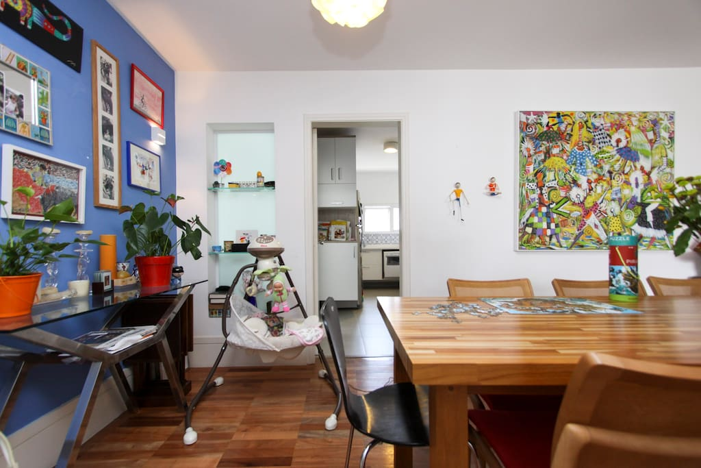 Dining room - Bright and colorful