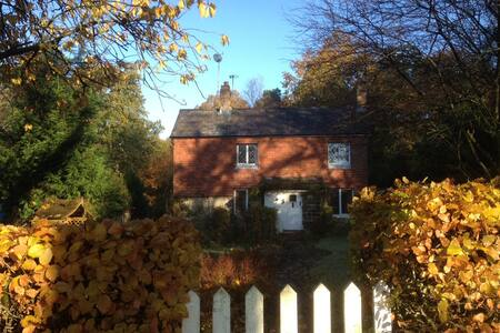 Small Double in Cottage, Danehill - East Sussex - House