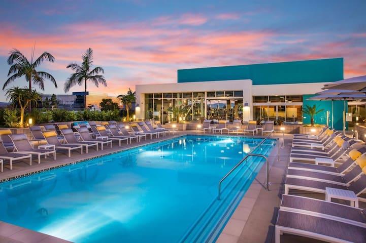 Irvine Luxury Studio Suite/Resort Style Amenities!