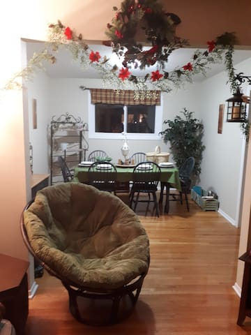 Affordable and quaint townhouse for relaxing stay