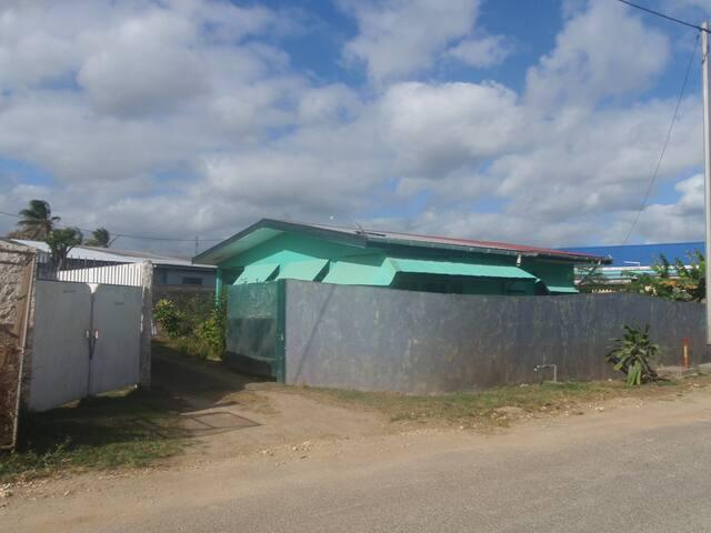 Namba 2 Transit Lodge